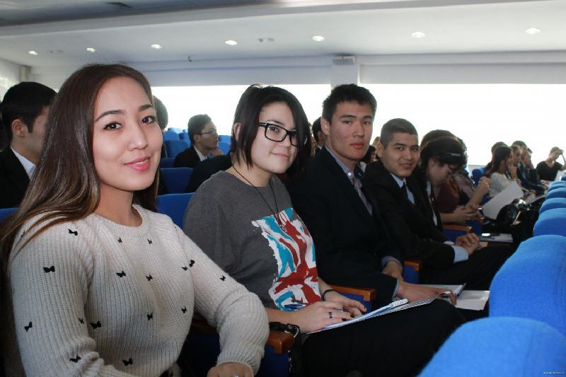 Более 10% жителей Павлодарской области владеют 3 языками