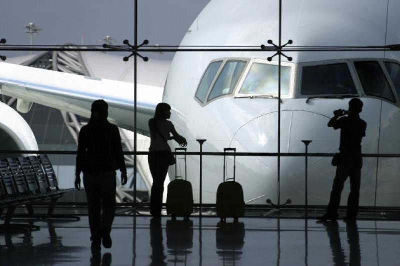 Казахстанские туристы вылетели из аэропорта Шарджи в Алматы