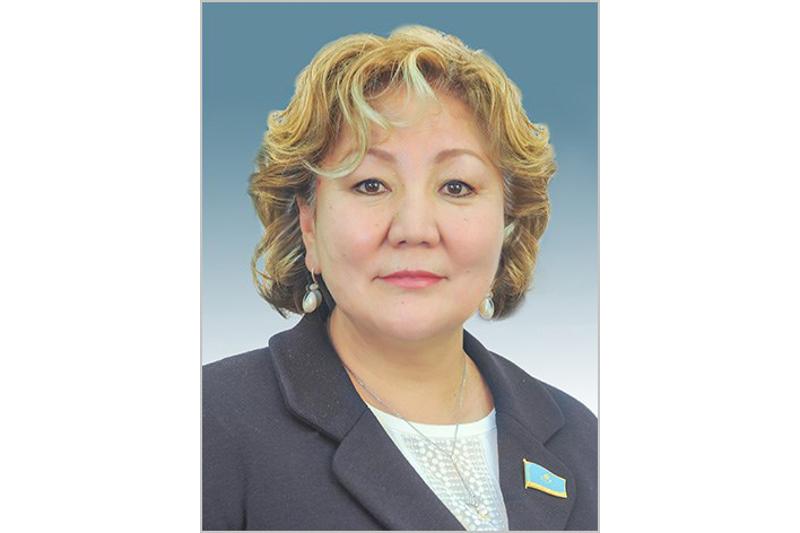 Депутат Мажилиса Зауреш Аманжолова провела в Атырау несколько операций