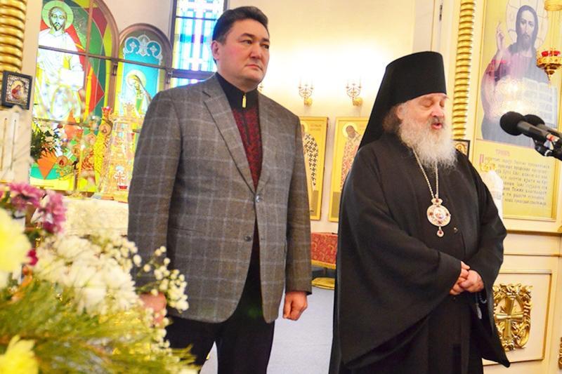 Аким Павлодарской области поздравил православных с Рождеством Христовым