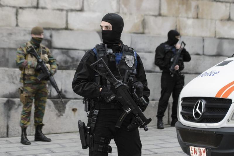Помощникам исполнителей терактов в Париже и Брюсселе предъявлены обвинения