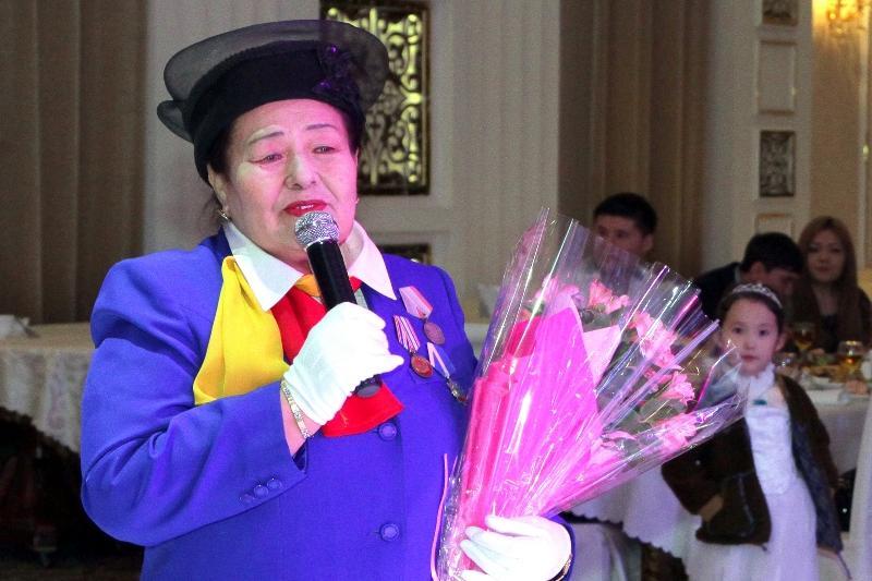 Казашка Тлеухор Бошумова полвека отдала гражданской авиации Кыргызстана