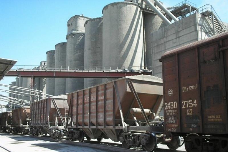 Вагон цемента отправила пострадавшим в Шахане жамбылская компания