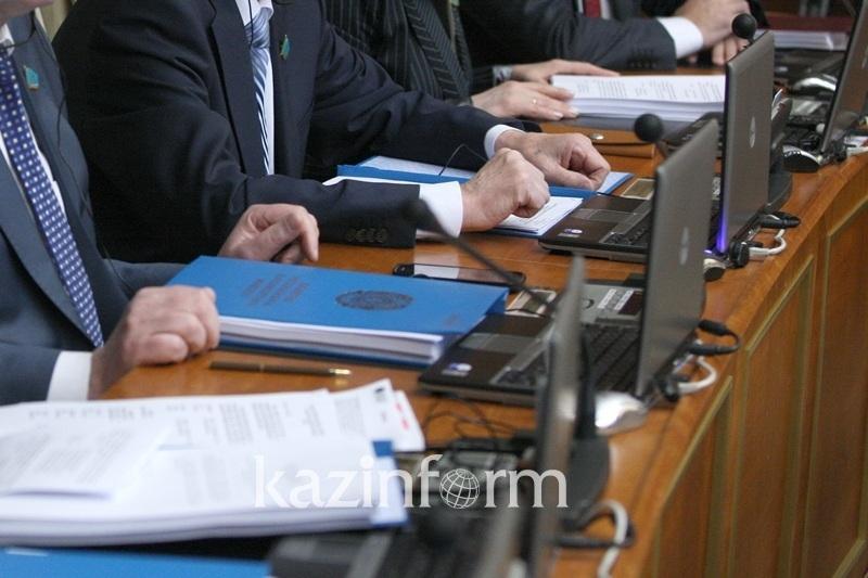 Более 5000 госслужащих Карагандинской области подлежат аттестации