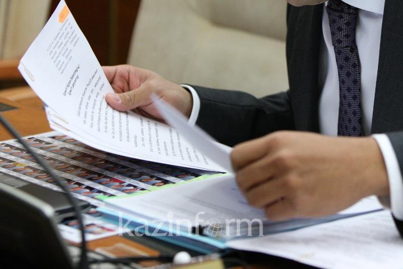 В нынешней аттестации госслужащих исключат тесты на знание законодательства