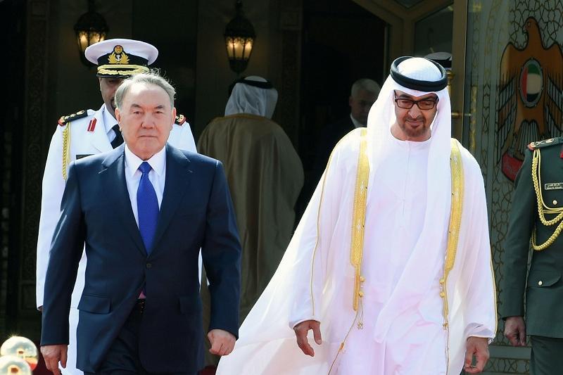 Назарбаев и наследный принц Абу-Даби обсудили вопросы сотрудничества двух стран