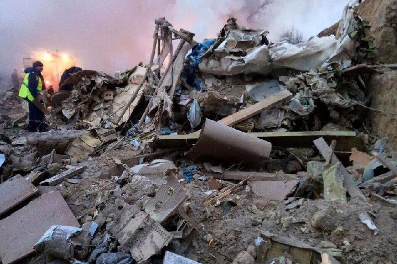 Один член экипажа выжил при крушении самолета под Бишкеком