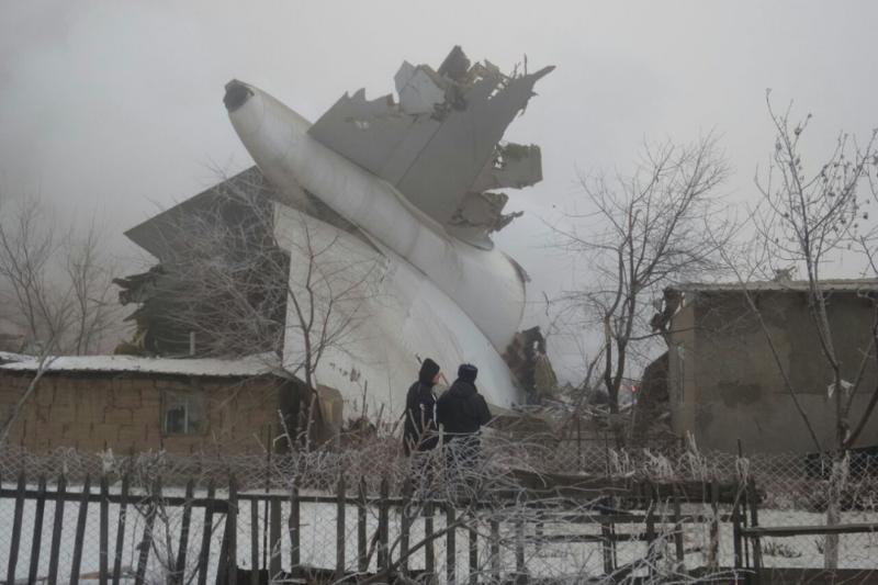 Число погибших при крушении самолета под Бишкеком увеличилось до 32