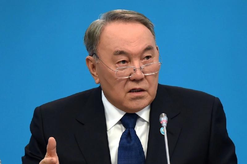 Назарбаев: В Казахстане планируют запустить производство электроавтобусов