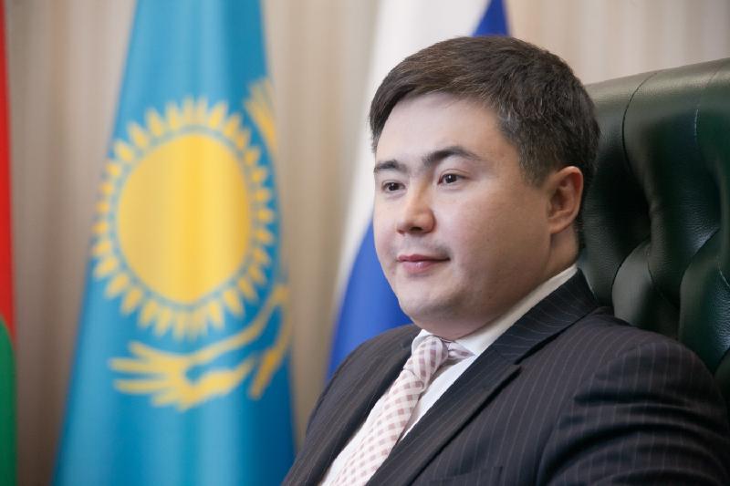 Глава Миннацэкономики пообещал выучить казахский язык