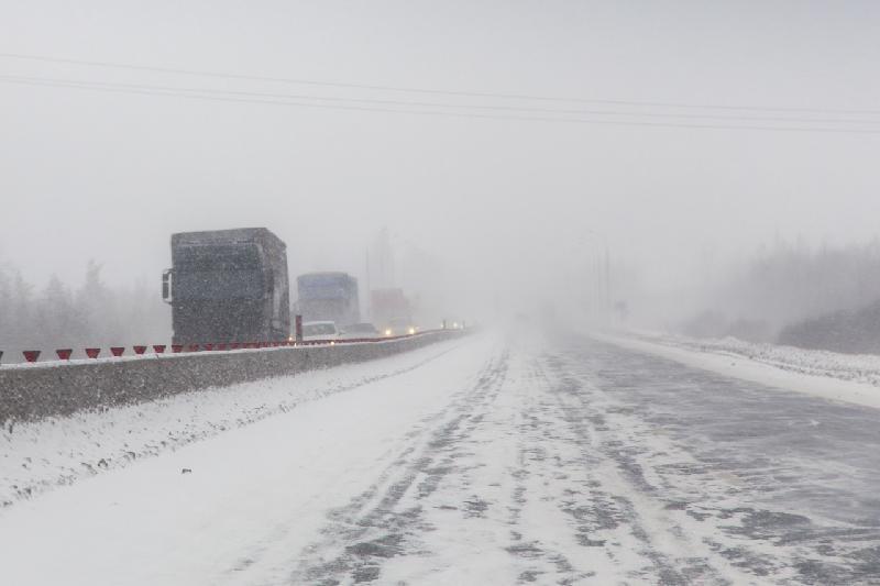 Из-за-метели закрыты дороги в Карагандинской области