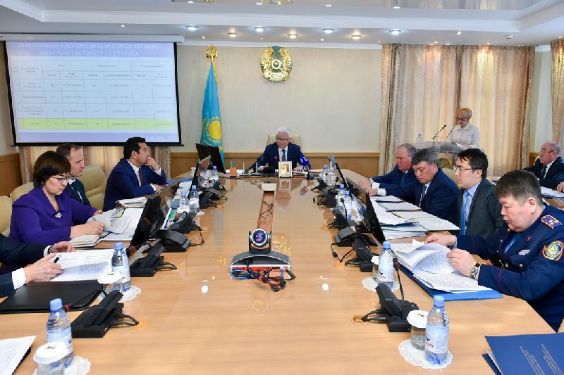 Ерик Султанов раскритиковал работу районных акимов