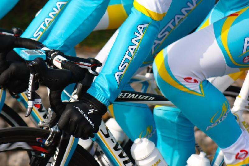 Инцидент с участием велогонщика «Астаны» СМИ назвали «верхушкой айсберга»