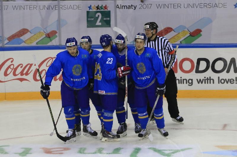我国运动员摘获大冬会冰球项目银牌