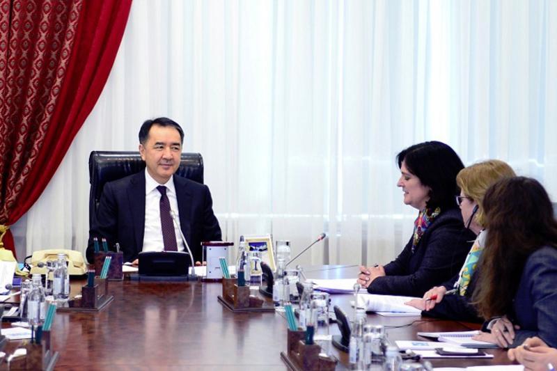 萨金塔耶夫总理会见欧洲复兴开发银行代表