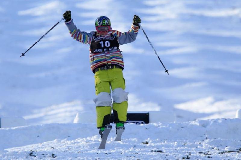 我国选手雷哈德摘获韩国自由式滑雪世界杯银牌