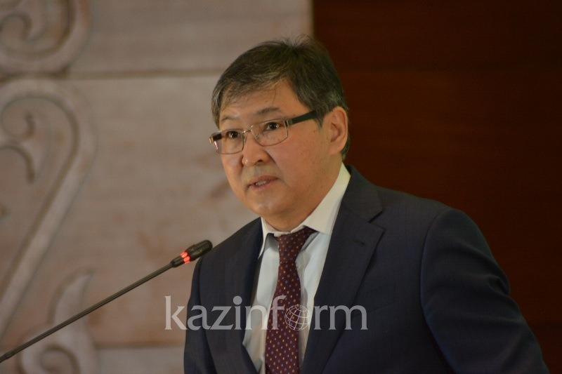 Подворовой обход учителей отменят в Казахстане