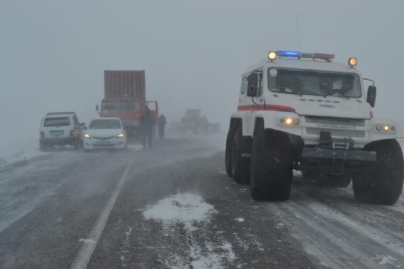 Оңтүстік Қазақстанда қар құрсауынан бір түнде 83 адам құтқарылды
