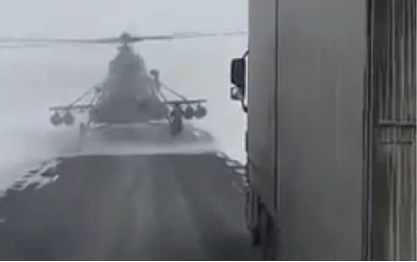 Адасып кеткен тікұшақ «Шымкент-Самара» тас жолындағы жүргізушілерден жол сұрады