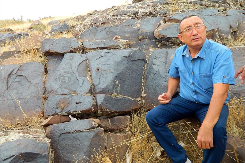 Arheolog Baıtanaev Shyńǵyshan qabiri týraly: Biz tústegi aıanmen jumys istemeımiz