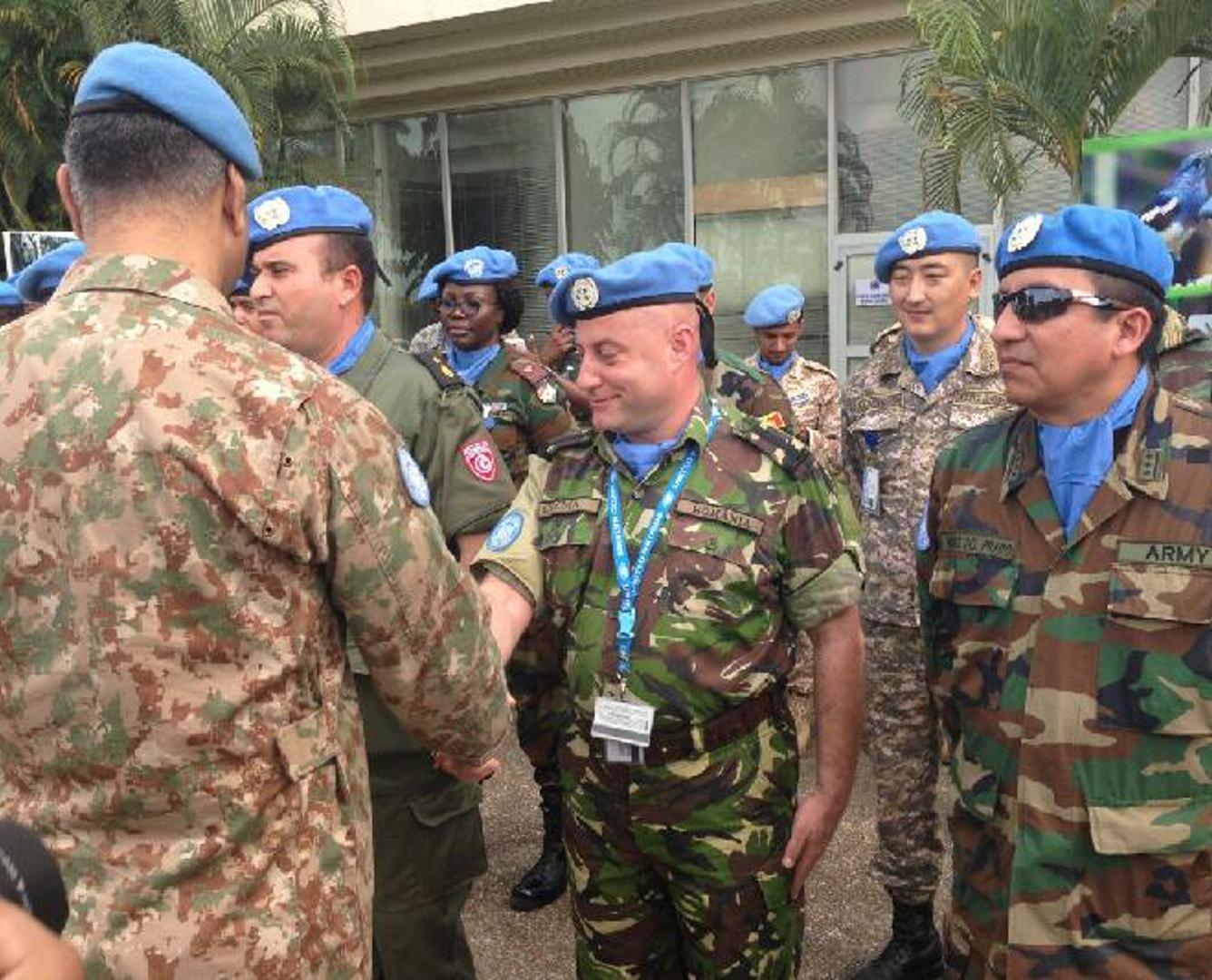 Казахстанского офицера наградили медалью ООН после участия в миссии в Кот-д'Ивуар
