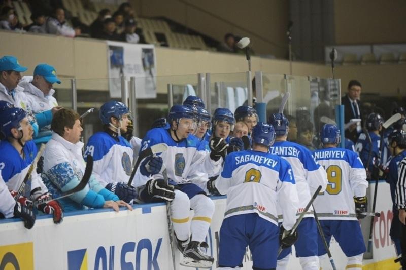 亚冬会-2017:哈萨克斯坦男子冰球队8:0大胜中国队