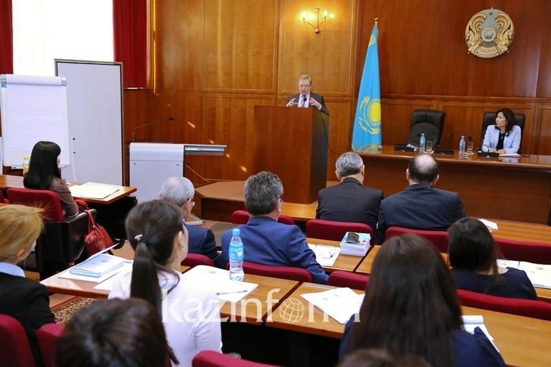 Башмаков рассказал об аксиомах успешного развития Казахстана