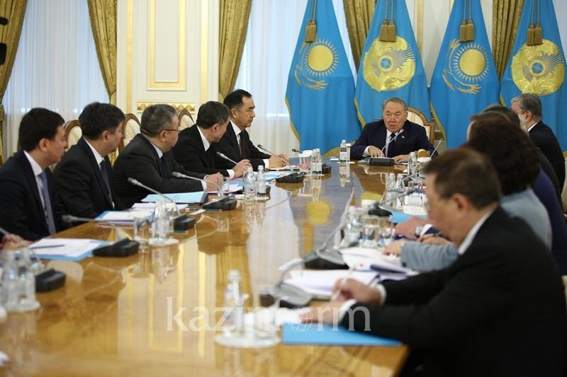 Адильбек Джаксыбеков рассказал, какие изменения в Конституцию предложили казахстанцы