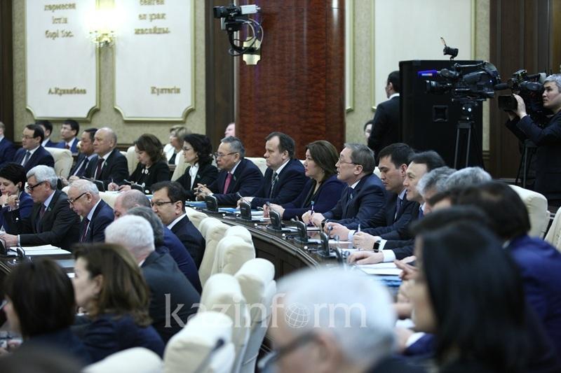 Избирать Уполномоченного по правам человека Сенатом предложила депутат Жаилганова