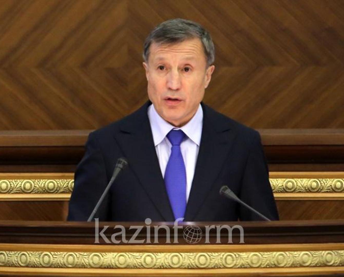 Адильбек Джаксыбеков разъяснил новые поправки по назначению акимов