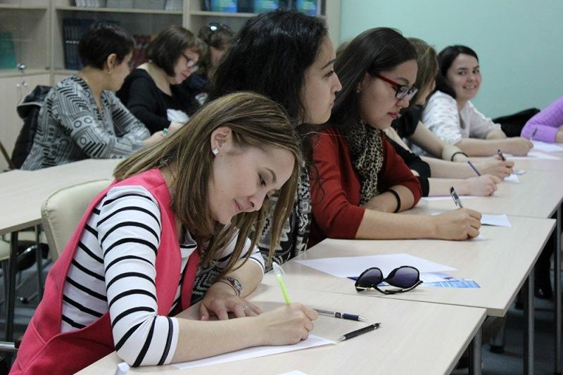 Студенты из Казани преподают в Павлодаре татарский язык