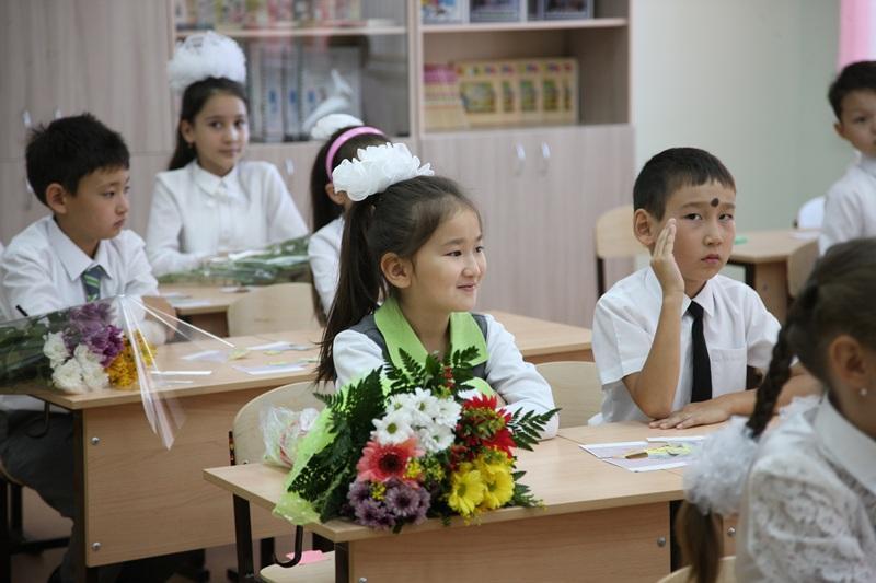 Запрет дарить цветы учителям к 8 марта прокомментировали в МОН