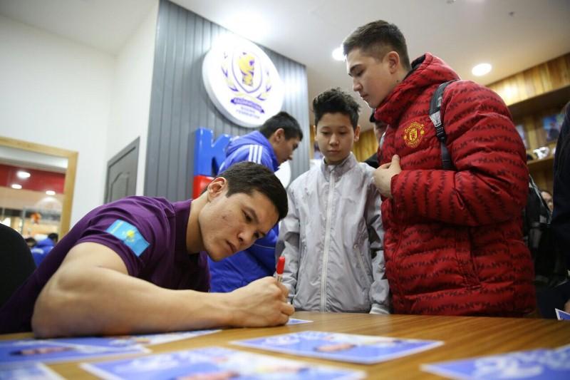 Данияр Елеусинов попрощался с казахстанскими болельщиками
