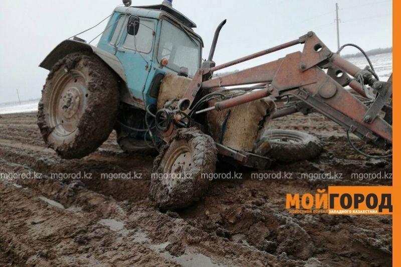 БҚО жолдарының нашарлығынан трактор да жүре алмайтын жағдайға жеткен