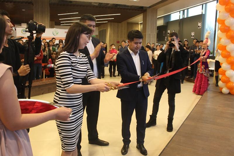 Молодежный коворкинг-центр открыли в Алматы