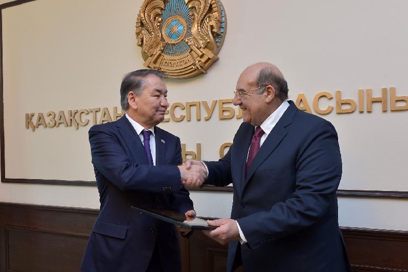 Мәми Египет  Конституциялық Жоғарғы Сотының Төрағасымен кездесті