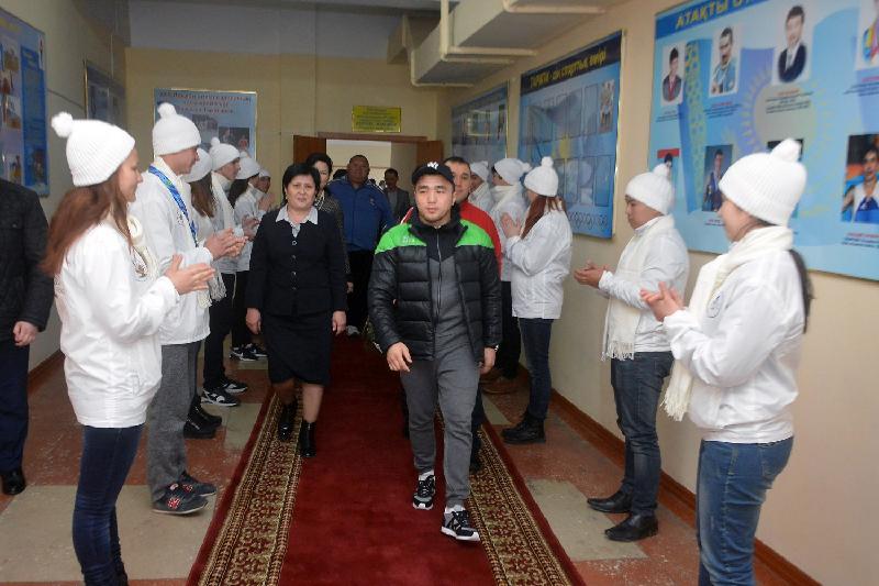 Rio Olympics medalist Smetov holds master class in Taraz