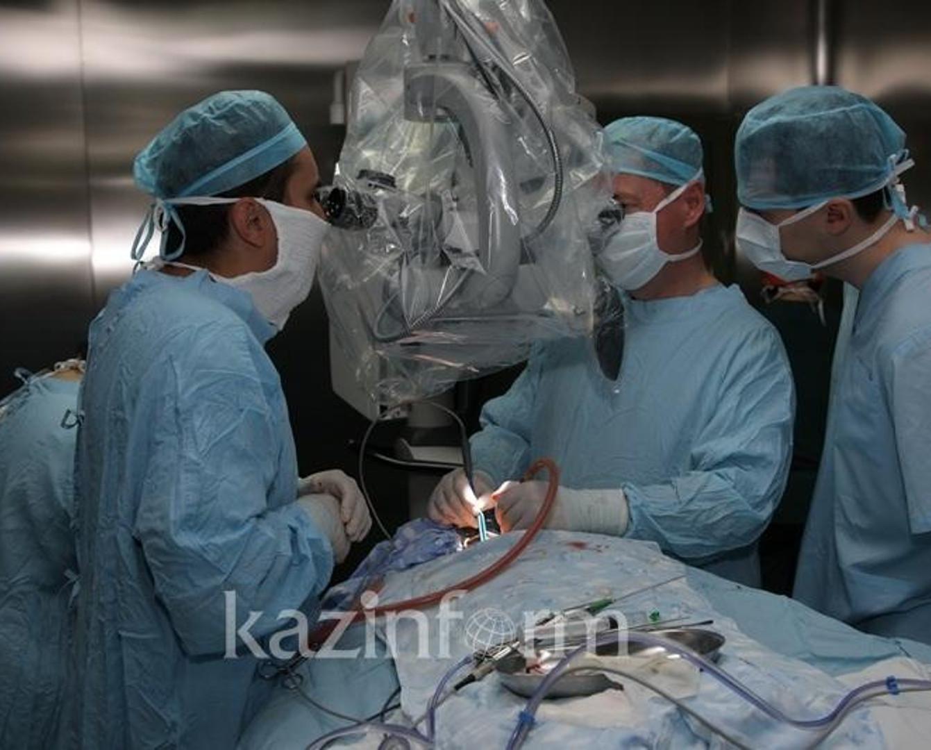 Бесплатные пластические операции казахстанским детям проведут хирурги из США
