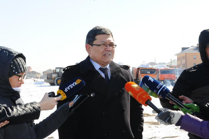 Районный аким рассказал о сообщениях астанчан на личный номер телефона