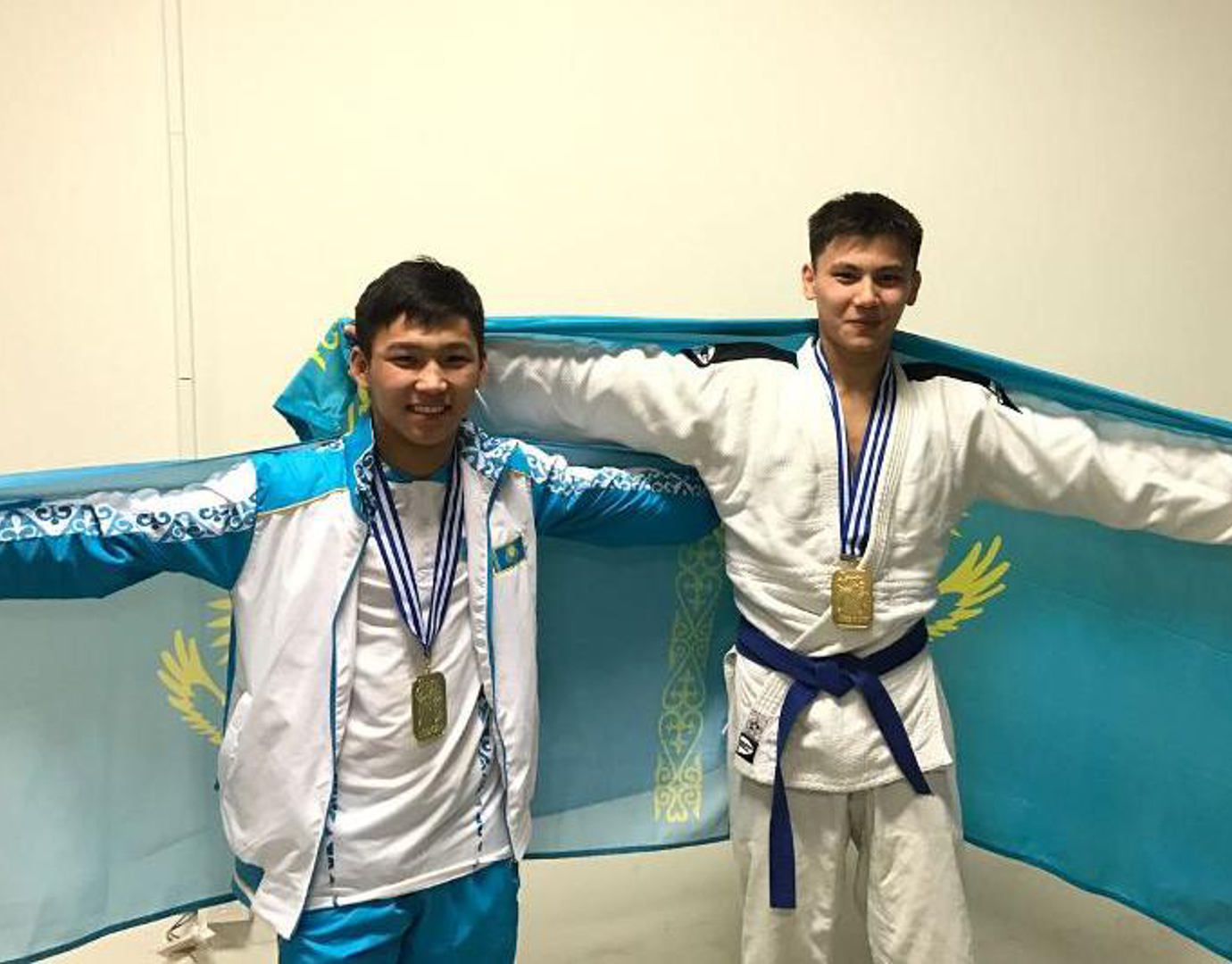 Казахстанцы Закарин и Канатбек стали чемпионами мира по джиу-джитсу