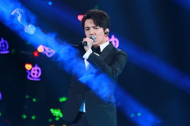 Димаш Кудайбергенов награжден в Китае как самый известный певец Азии