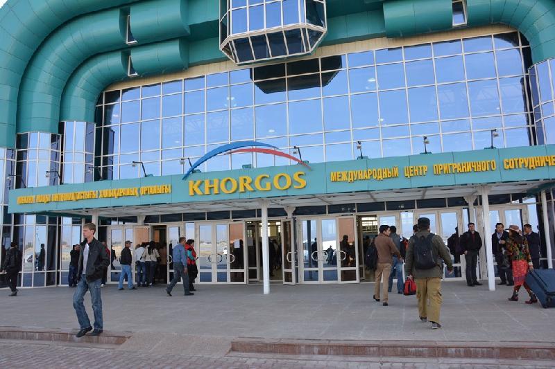 Свыше 3000 человек ежедневно посещают МЦПС «Хоргос»