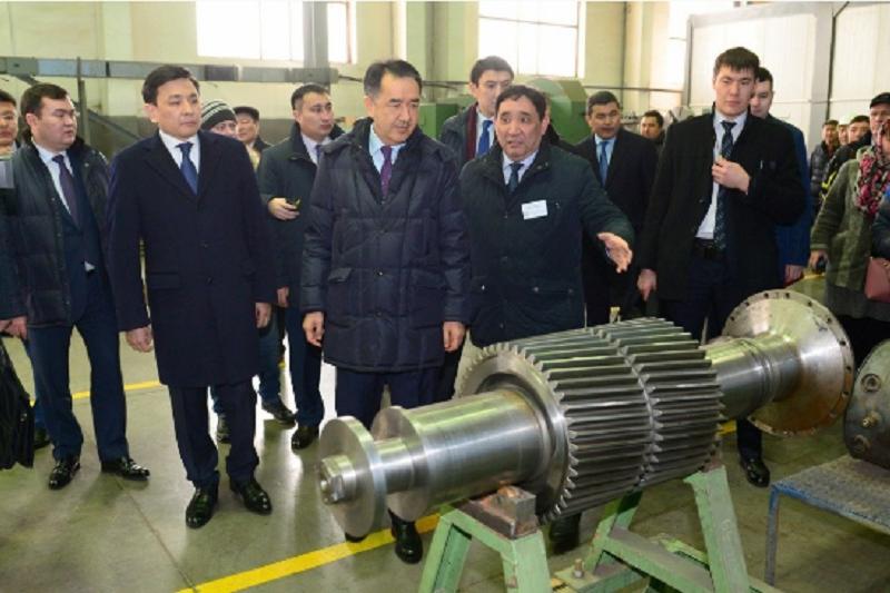 Kazakh PM visits West Kazakhstan Machine Building Co.