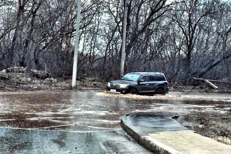 Из-за паводков ограничили автодвижение в четырех областях РК