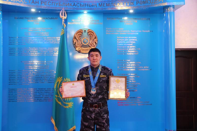Чемпионат Казахстана по кикбоксингу выиграл полицейский из Павлодара
