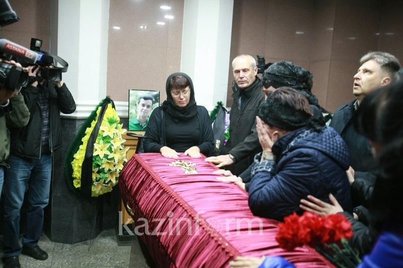Родители Максима Арышева: Россияне просили прощения за гибель сына