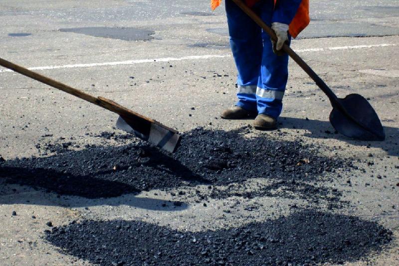 Реконструкцию трассы к озеру Алаколь начали в Алматинской области