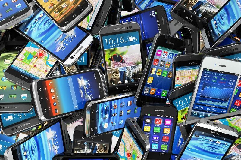国收委:价值达10亿坚戈的手机非法入境哈萨克斯坦