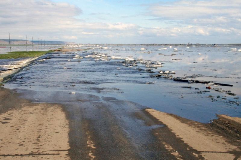 Республиканскую трассу подтопило  в Павлодарской области
