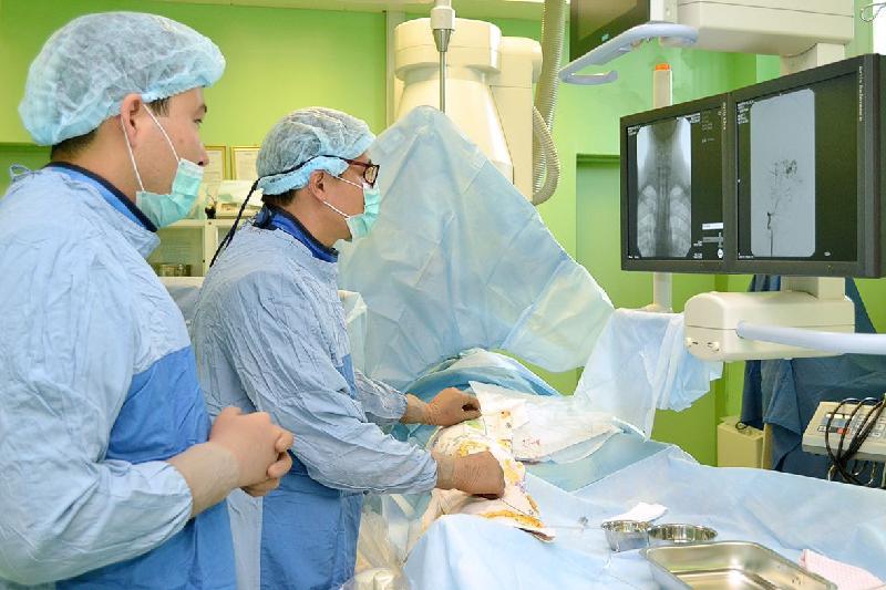 Нейрохирурги в Астане провели сложнейшую операцию на головной мозг